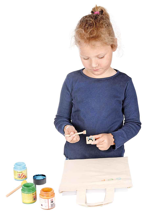 Bastelmaterial für den Kindergarten - Stempeln auf Textilien